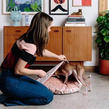 Nice-Digs_Velvet-Snuggle-Dog-Bed_Peach_Square-05_1000x